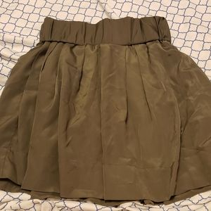 Olive green Jacob skirt with pockets